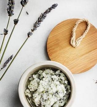 Saltskrubb med Lavendel