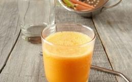 Citrus och morotsjuice