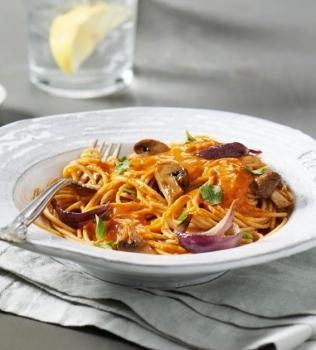 Spagetti med ugnsrostade grönsaker