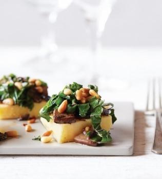 Kryddig grönkål med polenta