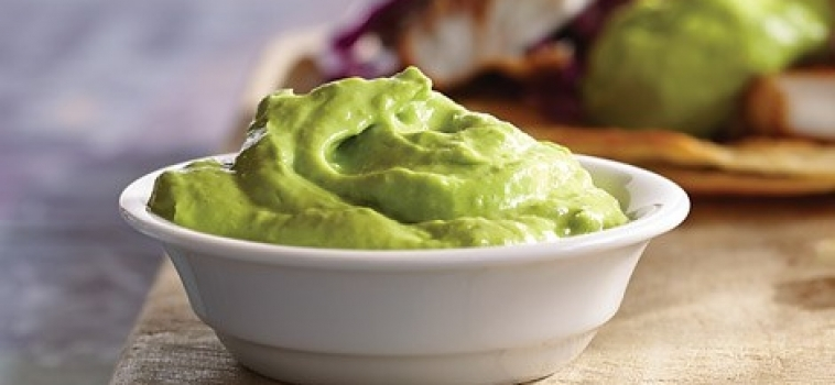 Avokado-yoghurtsås